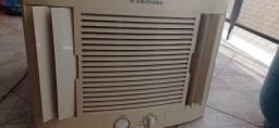 Ar condicionado de parede 127v Electrolux 10.000 btus
