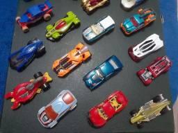 Coleção Hot Wheels 24 miniaturas + SuperTH