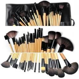 Kit com 24 Pincéis Maquiagem/Make