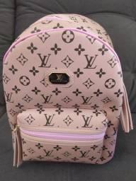 Mochila Louis Vuitton nova
