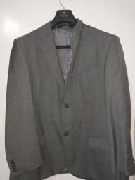 Vendo terno completo e gravata super conservados