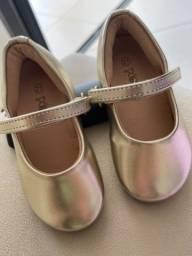 Sapato Poim Dourado