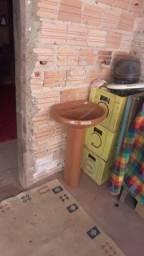 Vendo um kit banheiro simples
