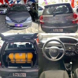 Toyota Etios com KIT GÁS 2016 Completo Otima Oportunidade