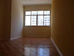 Apartamento de 02 quartos para locação em Icarai