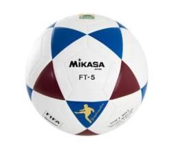 Bola oficial de futevôlei Mikasa FT-5 - padrão FIFA branco, azul e vinho - nova