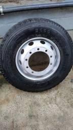 Pneus E rodas novos Pirelli e Bridgestone