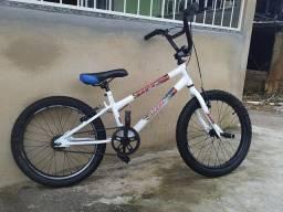 Bicicleta BMX semi nova preço 350