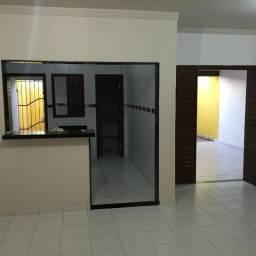 Alugo linda casa de 3/4 sendo 2 suítes, em Nova Parnamirim