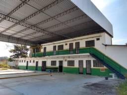 Galpão na área industrial do Comperj