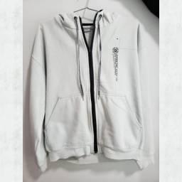 Vendo casaco original de moleton cinza da marca MARESIA, com capuz e abertura em zíper