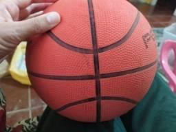 Bola basquete........