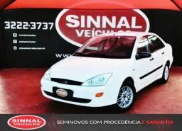 Ford Focus 2001/2001 2.0 FC 16V Gasolina 4P Manual