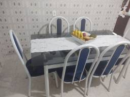 1 Mesa de Vidro com 6 Cadeiras