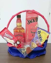 Whisky + cesta
