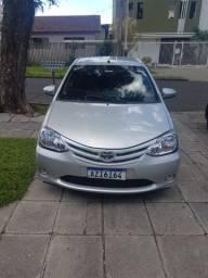 Vendo Toyota Etios HB X