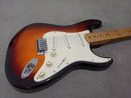 Squier Stratocaster California Séries 2T Sunburst By Fender!
