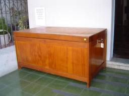 Baú em madeira 1,10 m X 59cm X 56 cm R$ 250,00