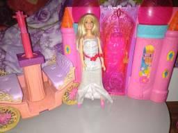 Kit Princesa Barbie Castelo e Carruagem