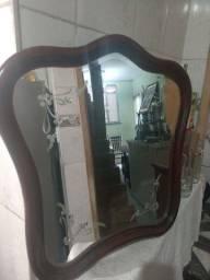 Antigo espelho , QUEBRADO O ESPELHO NO CANTO