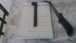 Guilhotina para papel