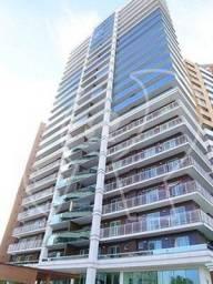 Apartamento com 158m² muito bem distribuídos em 04 suítes, sala com varanda integrada, arm