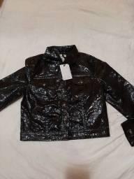 Jaqueta de couro fino pra usar em noite de frio nova  duas uma preta é a outra marrom