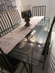 Mesa em ferro + vidro c/6 cadeiras (1,80 × 1,00)