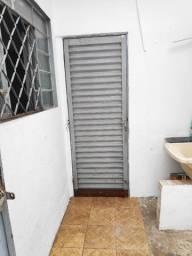 Casa pequena independente em Santa Efigênia - ZAP *