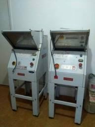 Máquina de fatiar pão de forma