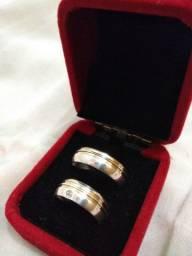 Par de aliança em prata 925 cm detalhe em ouro
