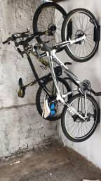 Suporte para bicicleta vertical.