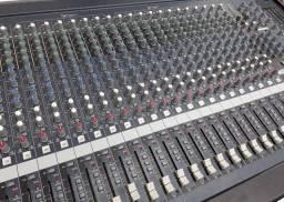 Mesa de som Yamaha 32 canais