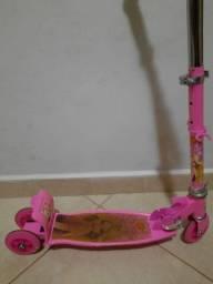 Patinete infantil da Barbie