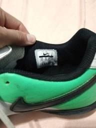 Título do anúncio: Tênis Futsal Nike tiempo rio 3
