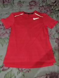Vendo camisa refletiva original da Nike com código e tudo