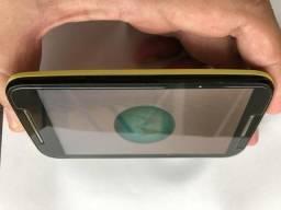 Celular Motorola MOTO E1 um CHIP (preto e amarelo - muito bonito) Modelo XT1021