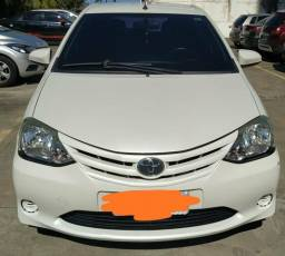 Toyota Etios Hatch 1.3X - 2015