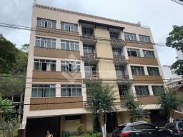 Amplo apartamento no Centro de Nova Friburgo