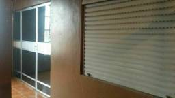 Aluga-se Amplo Apartamento com suíte-Fone: 30821929