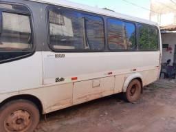 Microonibus volks 8.150(2001)