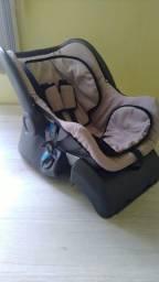 Bebê Conforto Cocoon com base para carro