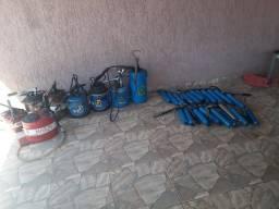Kit com 28 bombas de graxa marca bozza 500 gr E 5, 7 E 14 kg - valor 4.500,00