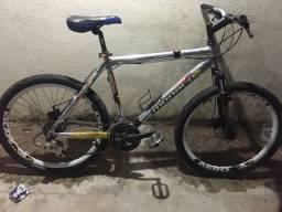 Bicicleta aro 26 top, aceito troca