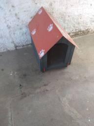 Casinha de cachorro, sem uso.