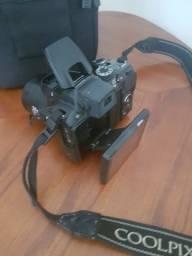 Vendo Nikon Semi Profissional