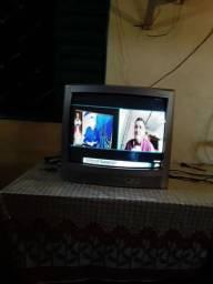 Vendo televisor de tubo modelo semp com entradas de áudio e vídeo com garantia