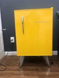 Frigobar Brastemp Retrô 76 litros Amarelo