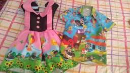 Vestido e camisa temática mundo Bita