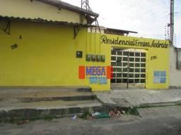 Casa com 2 quartos para alugar no Antônio Bezerra